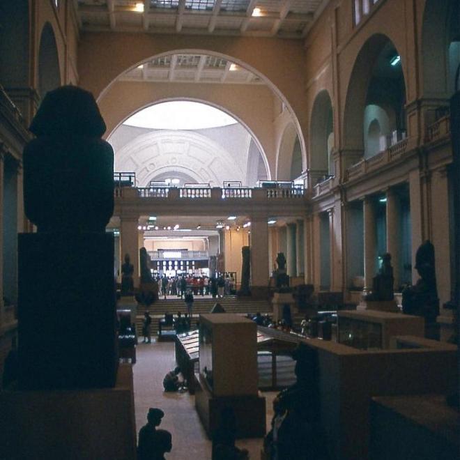 Grande salle d'exposition